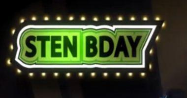 Se oggi fossi a casa e festeggiassi come si deve il mio compleanno, sarebbe una cosa di questo tipo .. solo che l'ho fatto ieri, con tanto di scarto dei regali che già stamattina ho utilizzato (e anche ieri a dirla tutta)!!!
