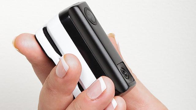 Mi piace molto farmi dei bei giri su Kickstarter e controllare cosa questi pazzi abitanti del mondo inventano. Il progetto meMINI è interessante, si tratta di una telecamera indossabile (che nel prossimo futuro andranno di gran moda) controllabile remotamente da smartphone. FIGATA!