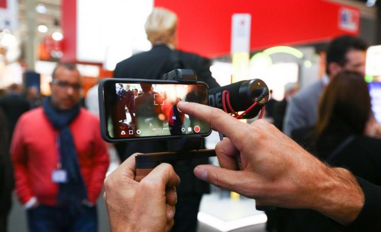 """La scorsa settimana si è tenuto il Mobile World Congress (MWC2016), la più grande manifestazione a livello mondiale per quanto riguarda il mondo della telefonia mobile. Chi mi conosce da più tempo sa perfettamente quanto io sia legato a quella manifestazione e a quella città (Barcellona), ma sebbene io non sia più """"vicino"""" al mondo […]"""